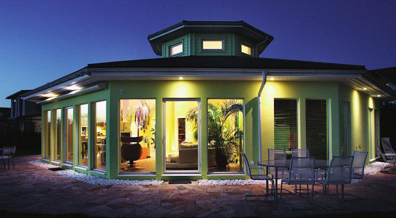 Trivselhus das individuell geplante fertighaus aus for Haus klassisch modern